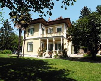 Villa D'Azeglio - Ivrea - Building