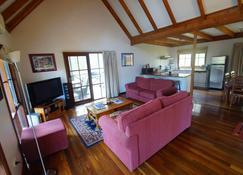 Manzanilla Ridge - Rothbury - Living room