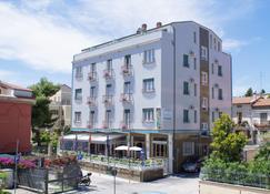 Hotel Venezia Vasto - Vasto - Building