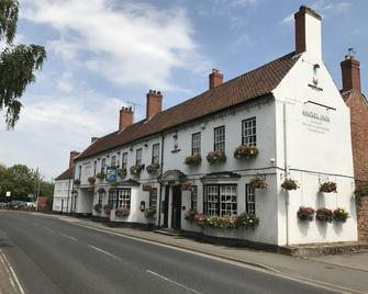 The Angel Inn - Worksop - Building