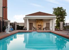 Holiday Inn Express & Suites Shawnee I-40 - Shawnee - Pool
