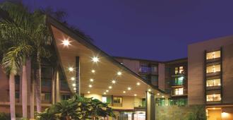 Adina Apartment Hotel Darwin Waterfront - דארווין - בניין