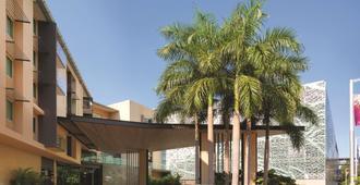 Adina Apartment Hotel Darwin Waterfront - Darwin - Building