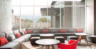 Ibis Makassar Losari - Makassar - Lounge