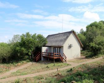 Nahakwe Lodge - Louis Trichardt - Building