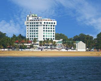 The Quilon Beach Hotel and Convention Center - Kollam - Building
