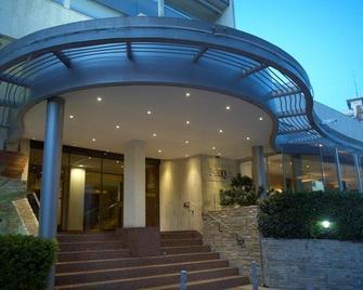 Cleopatra Hotel - Никосия - Здание