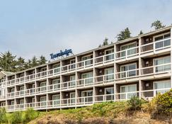 Travelodge by Wyndham Depoe Bay - Depoe Bay - Building