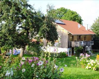 Ferienwohnung Schneckenhaus - Ostrach - Außenansicht