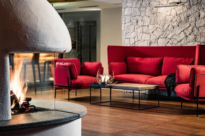 Boutique Hotel Nives - Selva di Val Gardena - Living room