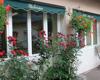 Hotel Saint-Charles - Rambouillet - Outdoors view