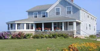 Rose Farm Inn - Block Island - Building