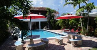 Seahorse Guesthouse - Pompano Beach - Pool