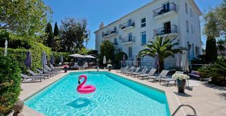 維拉酒店 - 昂蒂布 - 昂蒂布 - 游泳池