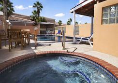 Super 8 by Wyndham South Padre Island - South Padre Island - Pool