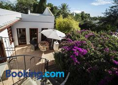 Out of Africa Guest House - Otjiwarongo - Gebäude