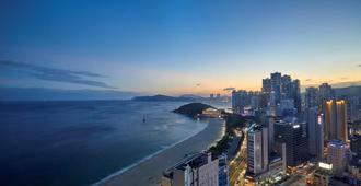 Kolon Seacloud Hotel - Busán - Vista del exterior