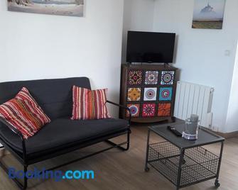Chanoine Boursier - Доль-де-Бретань - Living room