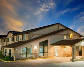 Super 8 by Wyndham Centerville - Centerville - Будівля