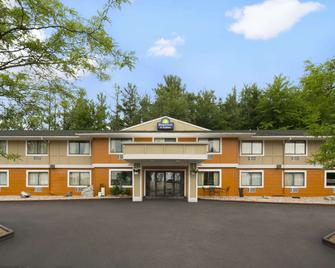 Days Inn Stevens Point - Стивенс-Пойнт - Здание