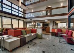Drury Inn & Suites Evansville East - Evansville - Lounge