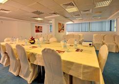 Tulip Inn Sharjah - Sharjah - Nhà hàng