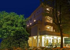 Hotel Silvie Rose - Cesenatico - Κτίριο