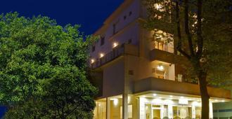 Hotel Silvie Rose - Cesenatico - Edificio