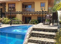 Priority Villas - Contadora - Pool