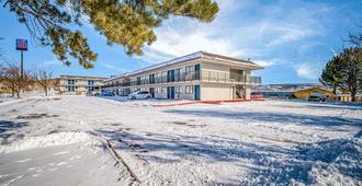Motel 6 Elko - Elko - Building