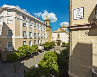 Hotel de Francia y París - Cadiz - Building