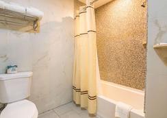 羅德威套房酒店 - 伊薩卡 - 伊薩卡 - 浴室