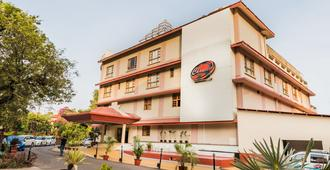 Chances Resort And Casino An Indy Resort - Panaji - Edificio