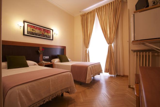 Hostal Greco Madrid - Madrid - Bedroom