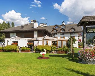 Hotel Gratschwirt - Dobbiaco/Toblach - Building