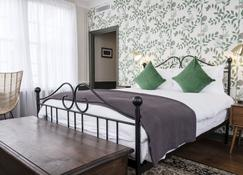 The Swan Hotel - Staines-upon-Thames - Bedroom