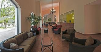Concierge Plaza la Villa - Колима