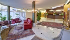 Grand Hotel Cravat - Luxembourg - Lobby