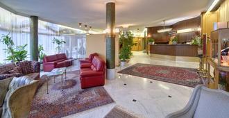 Grand Hotel Cravat - Luxembourg - Resepsjon