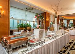 Grand Hotel Cravat - Luxemburgo - Buffet