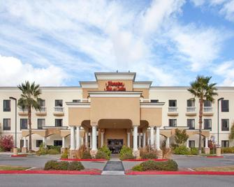 Hampton Inn & Suites Hemet - Hemet - Building