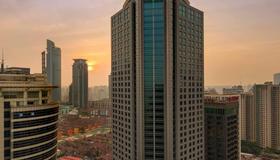 Four Seasons Hotel Shanghai - Shanghai - Edificio
