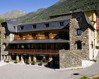 Hotel & Spa Niunit - El Serrat - Gebäude