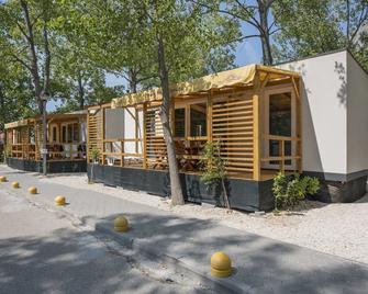 Mediteran Travel Mobile Homes Galeb Omis - Omiš - Gebouw