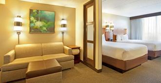 Hyatt Place across from Universal Orlando Resort - Orlando - Living room