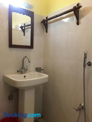 Chautari Garden Resort - Sauraha - Bathroom
