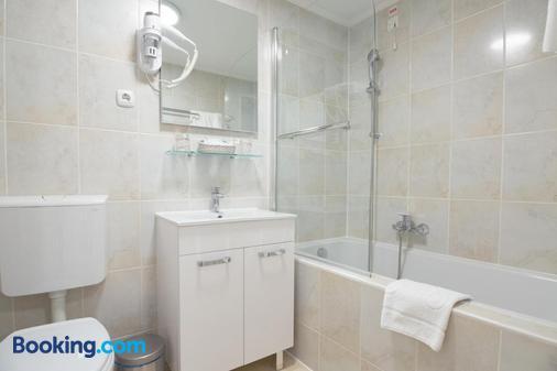Hotel Vila Tina - Zagreb - Bathroom