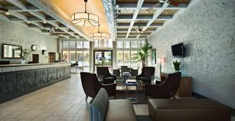 Embassy Suites by Hilton Phoenix Airport - Phoenix - Lobby