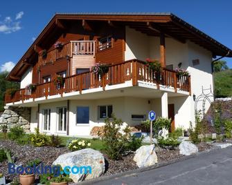 Chalet des Alpes - Crans-Montana - Building
