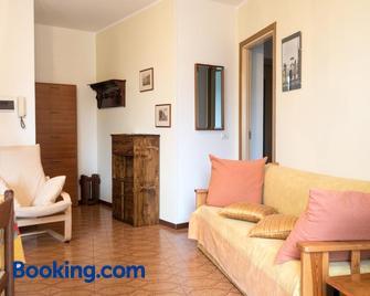 Appartamenti Raineri - Domaso - Living room